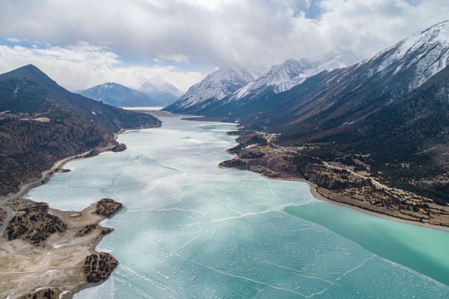 冰雪然烏湖(圖)