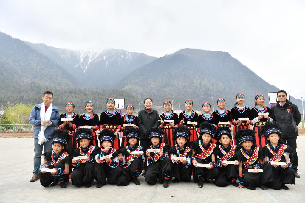 """""""U+校餐計劃""""公益行動走進西藏米林(圖)"""